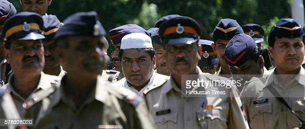 Fake stamp paper scam kingpin Abdul Kareem Telgi in Mumbai to attended the funeral of his relative at Chandanwadi crematorium