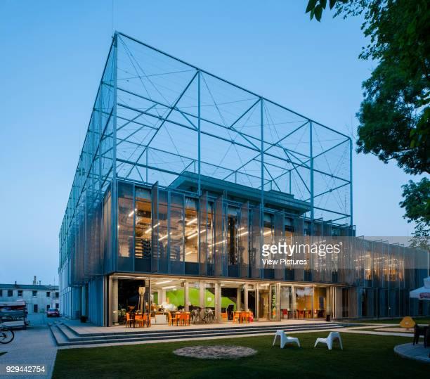 PL Architekci 2012 Evening elevation of illuminated building