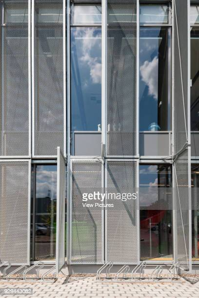 PL Architekci 2012 Vertical brisesoleil panels