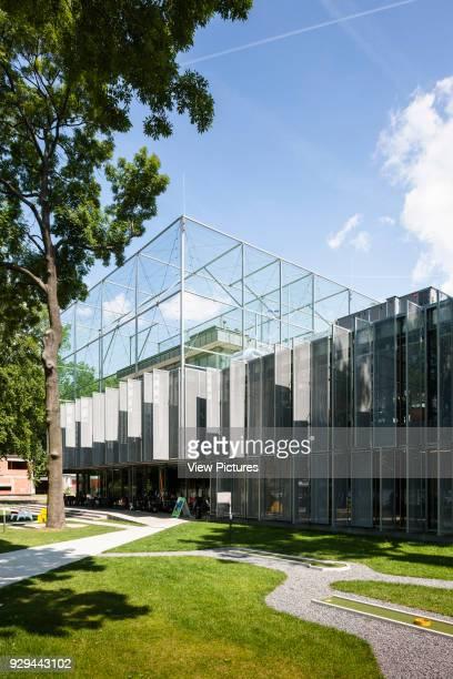 PL Architekci 2012 View from minigolf garden to centre