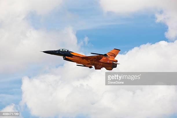 f -16 falcon 戦闘機のエアショー riat fairford 英国 - フェアフォード ストックフォトと画像