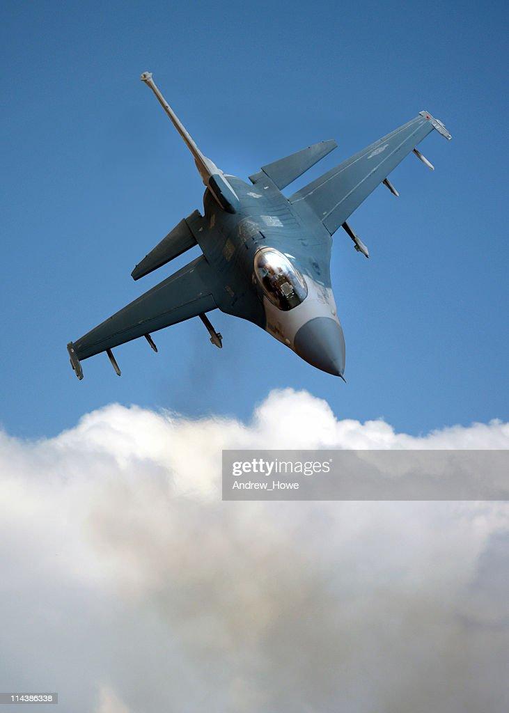 F-16 Falcon over Cloud : Stock Photo