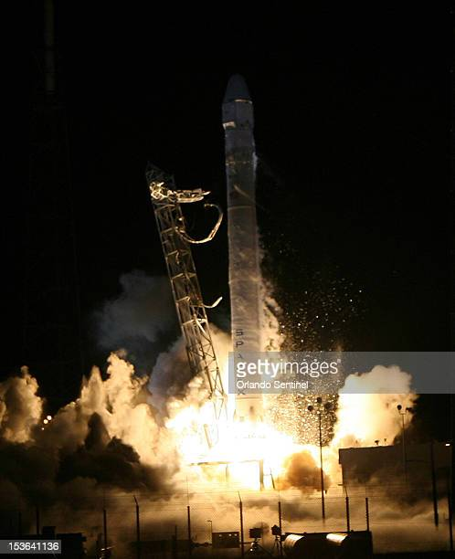 Falcon9 rocket carrying a Dragon blasts off Sunday, October 7, 2012 for a scheduled launch at 8:35PM from Cape Canaveral Air Force Station in...