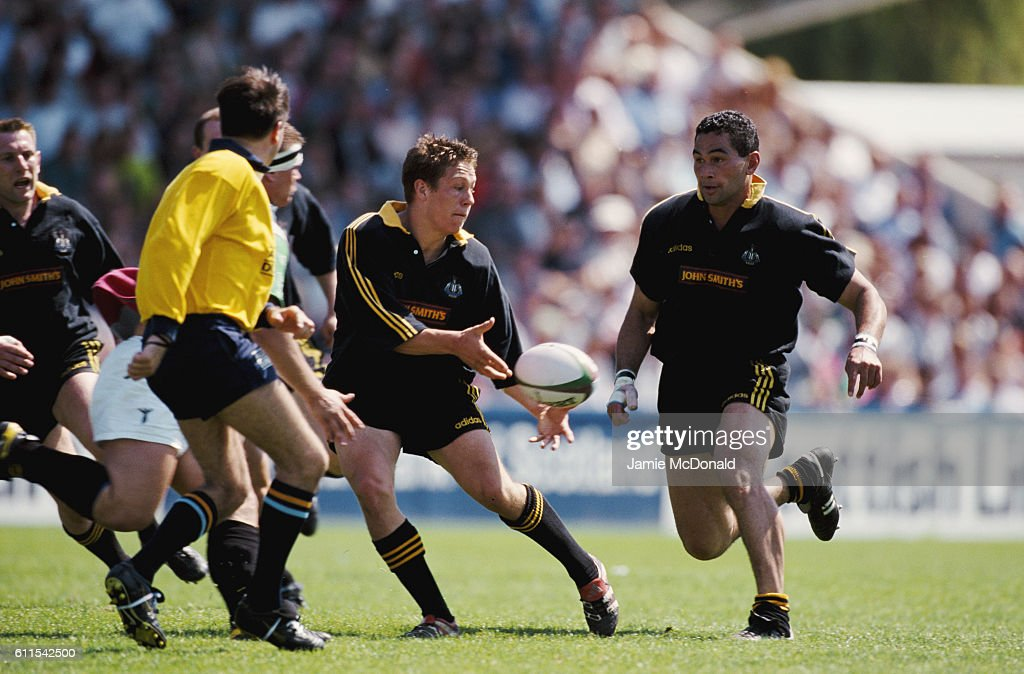 Jonny Wilkinson and Pat Lam Newcastle Falcons Falcons 1998 : News Photo