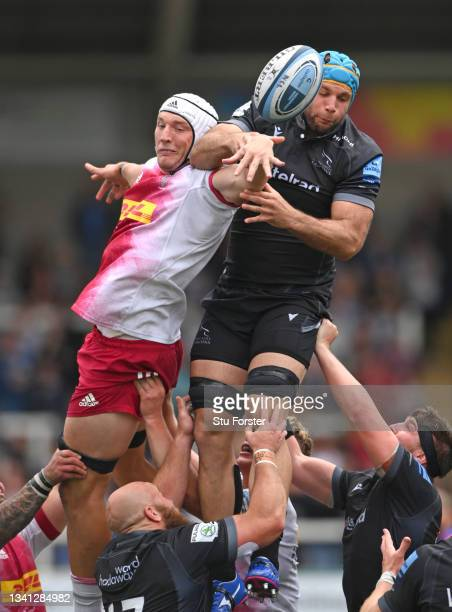 Falcons player Marco Fuser and Dino Lamb of Harlequins contest a lineout ball during the Gallagher Premiership Rugby match between Newcastle Falcons...