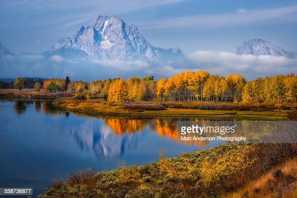 fall colors at oxbow bend, grand teton np, wyoming - jackson hole stock pictures, royalty-free photos & images