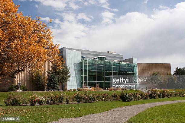 Herbstfarben mit Denver Museum of Nature and Science