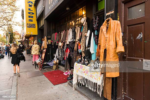 nyc fall fashion clothing for sale bedford avenue williamsburg retail - pop up store stock pictures, royalty-free photos & images