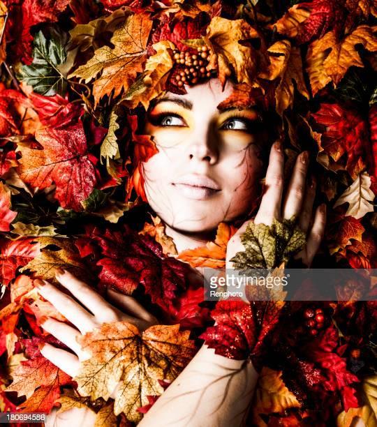 Fall Leaf Makeup and Fashion
