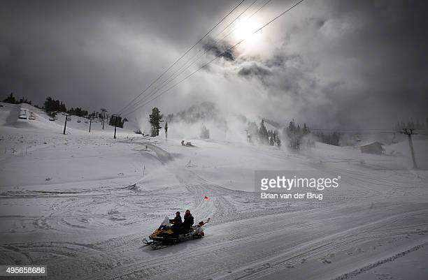 LAKES CALIF TUESDAY NOVEMBER 3 2015 A fall Sierra Nevada storm dropped nearly a foot of snow at Mammoth Mountain and snowmaking is piling on in...