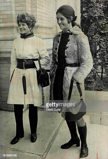 OCT 7 1970 OCT 14 1970 Fall Styles At Lecture Arriving for first in series of Polly Grimes Town Hall Lectures Tuesday at Phipps Auditorium are left...