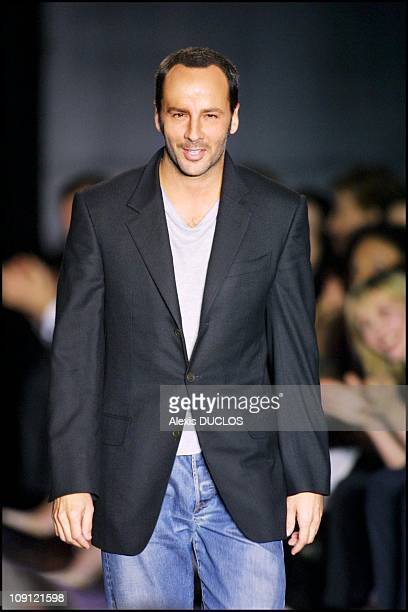 Fall Winter 2001/2002 Ready To Wear Fashion Show : Yves Saint Laurent On March 14Th, 2001 In Paris, France. Tom Ford.