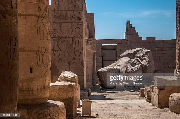 fallen ozymandias colossus - colossus stock pictures, royalty-free photos & images