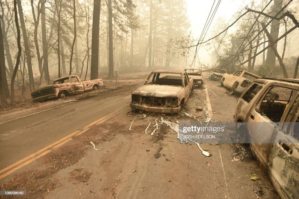 TOPSHOT-US-FIRE-CALIFORNIA-ENVIRONMENT-WEATHER : News Photo
