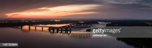 falls of the ohio at dusk - aerial panorama - louisville kentucky stock pictures, royalty-free photos & images