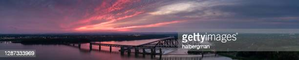 falls of the ohio at sunset - aerial panorama - louisville kentucky stock pictures, royalty-free photos & images