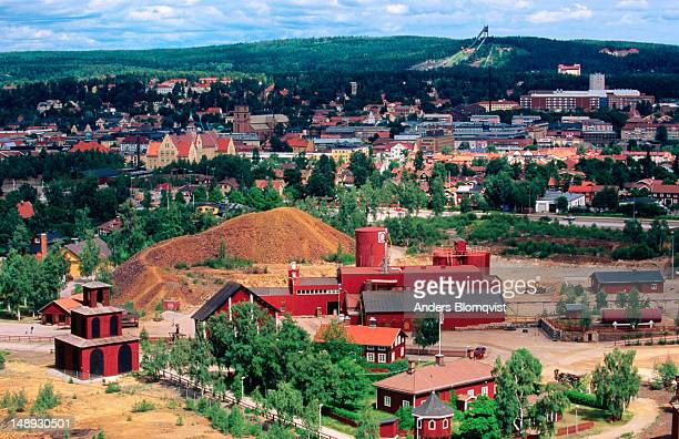 falu koppargruva paint factory and town. - ファールン ストックフォトと画像
