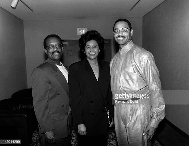 Famed attorney Johnnie Cochran poses for photos with his wife Dale Cochran and BET's Ed Gordon at the Sheraton Grande Hotel in Los Angeles California...
