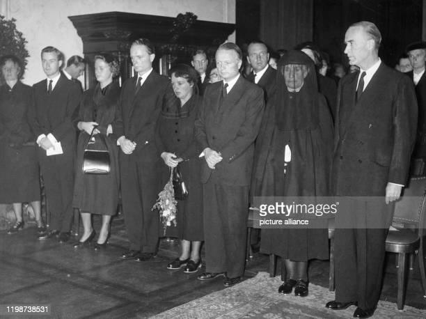 Familienmitglieder während der Trauerfeier in der Villa Hügel in Essen : Sita von Bohlen und Halbach, Arndt von Bohlen und Halbach, Waltraud Thomas,...