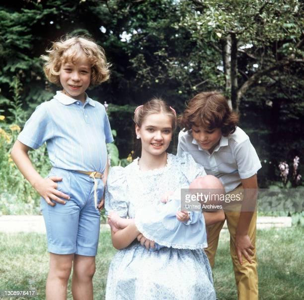 Familienzuwachs / D 1984 / TAREK HELMY, JULIA BIEDERMANN, TIMMO NIESNER und Baby Franziska Überschrift: ICH HEIRATE EINE FAMILIE.