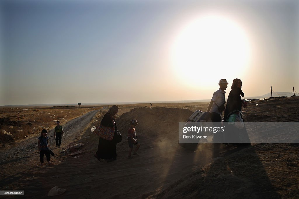 Refugees Flee Iraq After Recent Insugent Attacks : News Photo