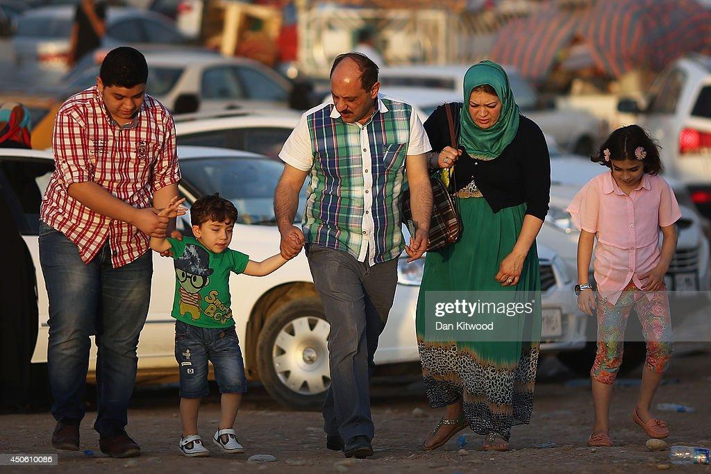 Refugees Flee Iraq After Recent Insugent Attacks : News Photo