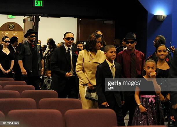 Family and friends attend the Etta James' funeral in Gardena California on January 28 2012 AFP PHOTO/VALERIE MACON