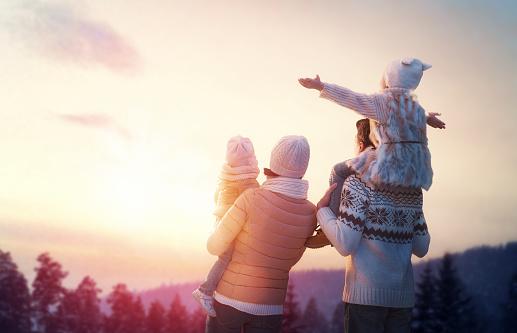 family and winter season 860915218