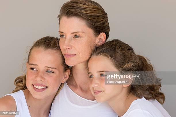 family beauty picture - fille de 12 ans photos et images de collection
