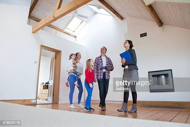 Familie in ein neues Zuhause, angezeigt