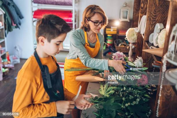 family business - two generation family stock pictures, royalty-free photos & images