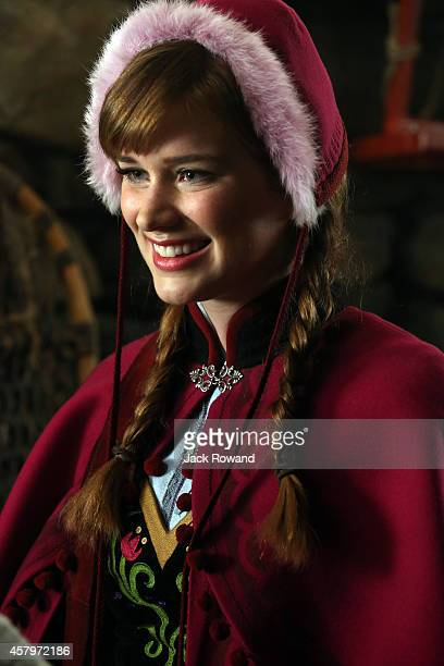 """Family Business"""" - The race is on to track down the elusive Snow Queen, who was once a foster mother to a young Emma - whose memories of this event..."""