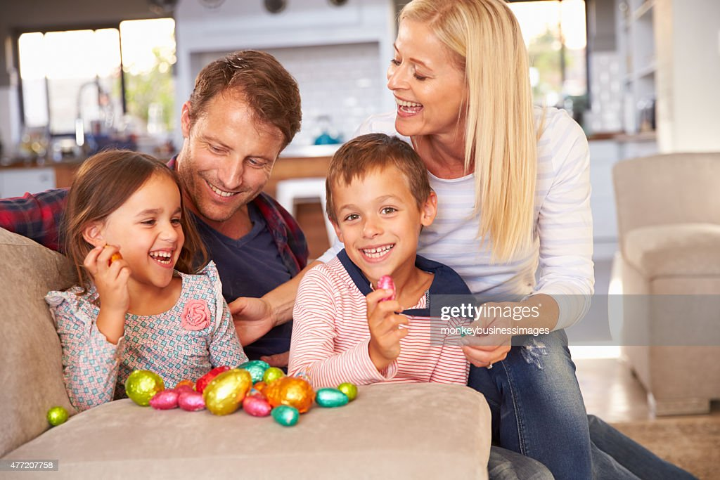 Family celebrating Easter at home : Stock Photo