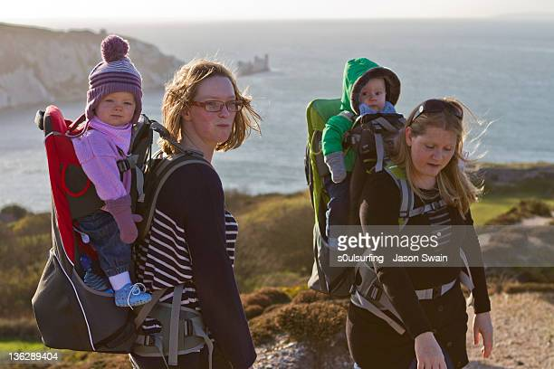 family coastal walk - s0ulsurfing stock pictures, royalty-free photos & images