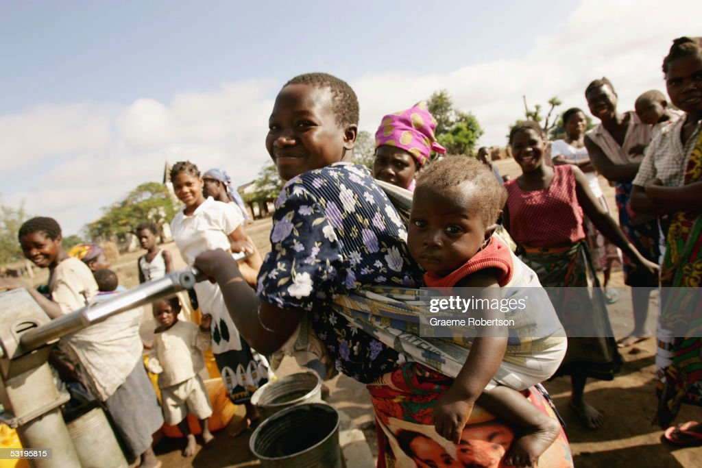 Aid Agency Combats The Effect Of Poverty : Photo d'actualité