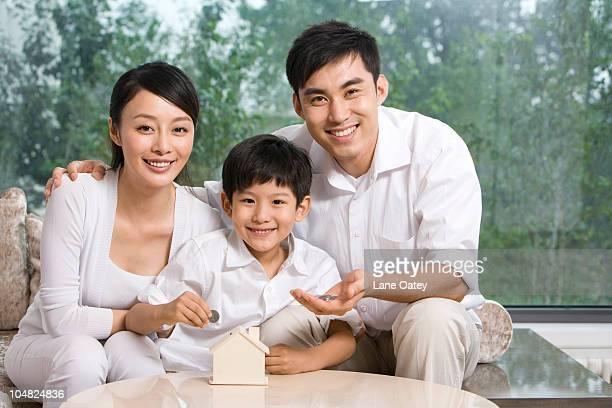 Family doing savings