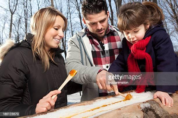 Familie essen Ahorn-Toffee