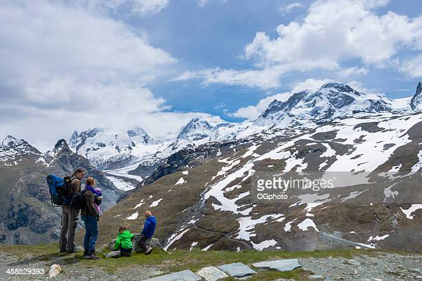 family enjoying a day in the mountains. -xxxl - ogphoto stock pictures, royalty-free photos & images