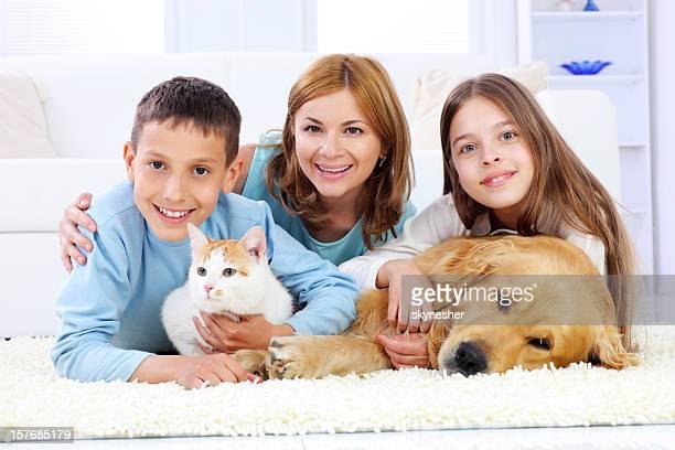 Familie Spaß für Mütter mit Kindern und Haustieren fernhalten.