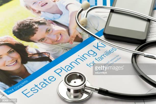 Famille avec Stéthoscope document de planification successorale