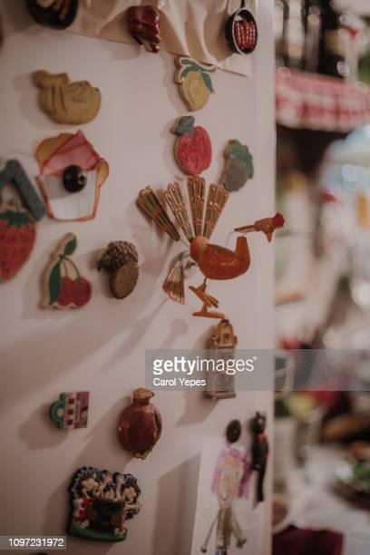 family fridge with magnets - lituania fotografías e imágenes de stock