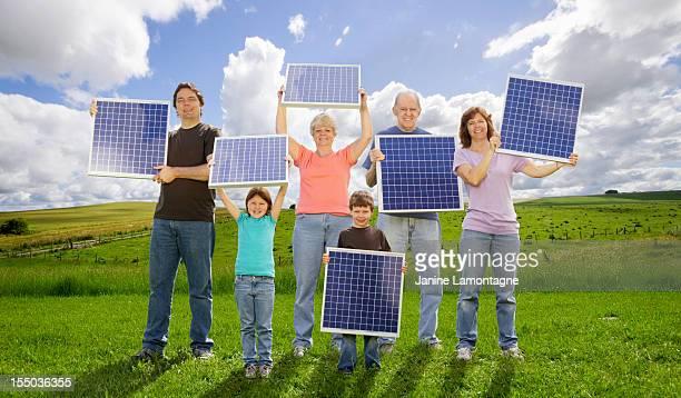 Familie Generationen und Sonnenenergie
