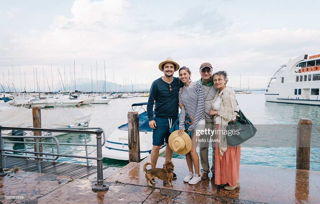 Family goes boating : Stock Photo