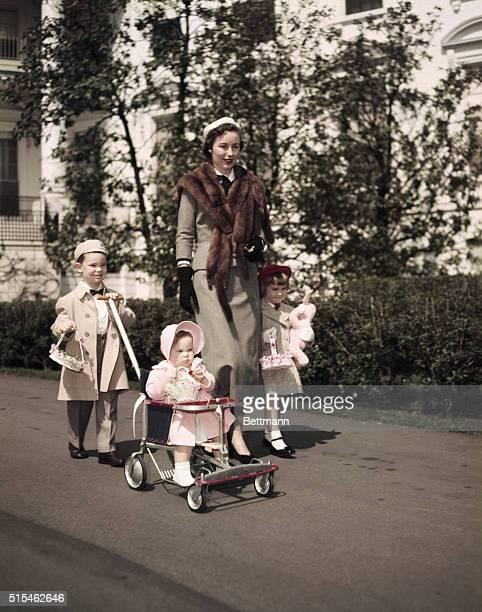 4/1953 Family group on Easter of the Eisenhower family including Barbara Ann granddaughter UPI color slide