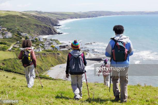 family hiking - outdoor pursuit stock pictures, royalty-free photos & images