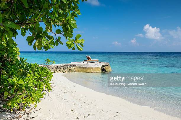 family holiday in the maldives - s0ulsurfing stock pictures, royalty-free photos & images