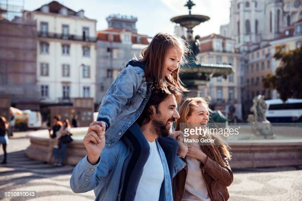 family in the city - travel stock pictures, royalty-free photos & images