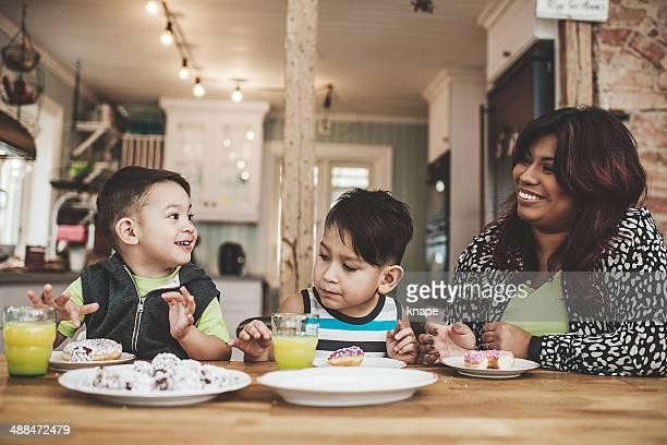 ご家族でのお食事には、スイートのキッチン
