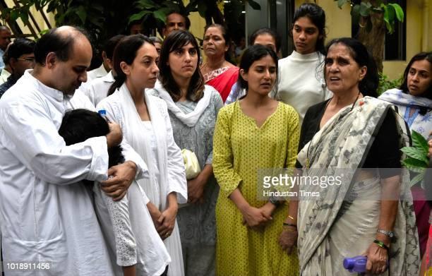 Family members of Ajit Wadekar during the funeral of Ajit Wadekar at Shivaji Park on August 17 2018 in Mumbai India Former India captain Ajit Wadekar...