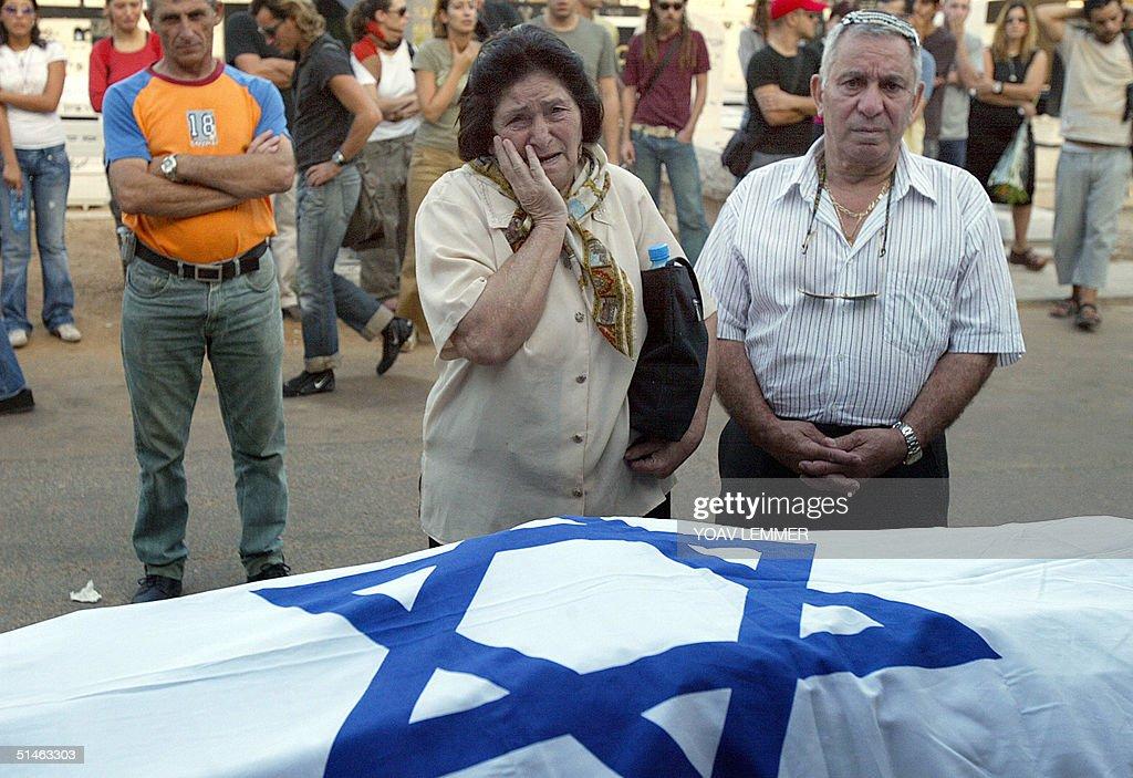 funeral of israeli victim of taba terror attackの写真およびイメージ